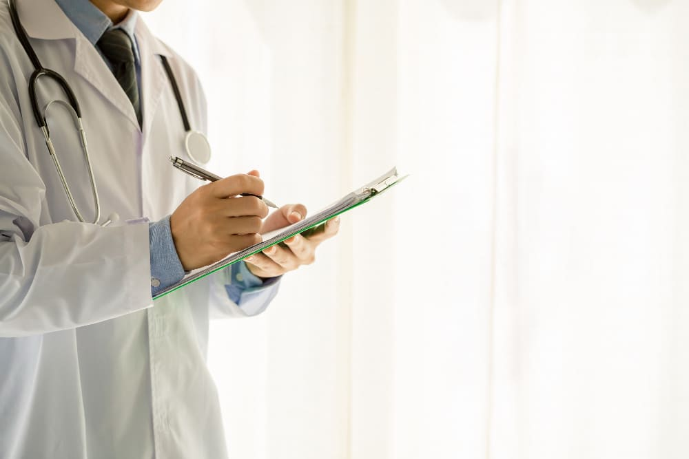 como funciona el seguro de gastos medicos mayores